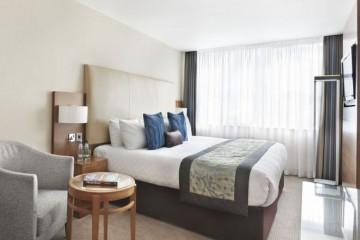 Bedroom in Thistle Royal Trafalgar hotel in London