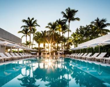 Photo of Miami's Metropolitan's swimming pool