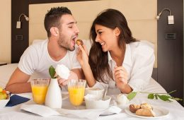 Google Reviews Give Day Booking Hotel Five Stars for Romance; HotelsByDay